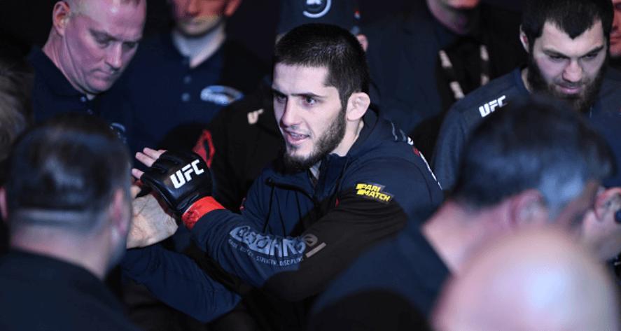Рафаэль Дос Аньос возвращается в легкий вес ради боя с Исламом Махачевым на UFC 254