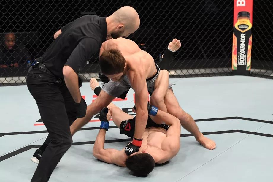 Результаты UFC Fight Night 180: Саид Нурмагомедов нокаутировал Марка Штригля