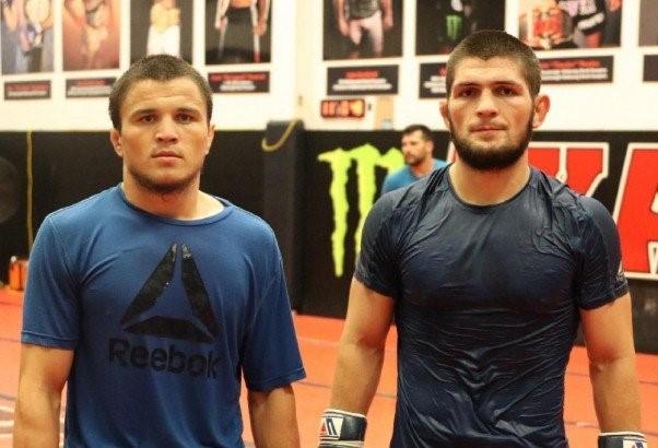 Умар Нурмагомедов госпитализирован в Дубае, его бой с Морозовым на UFC 254 отменен