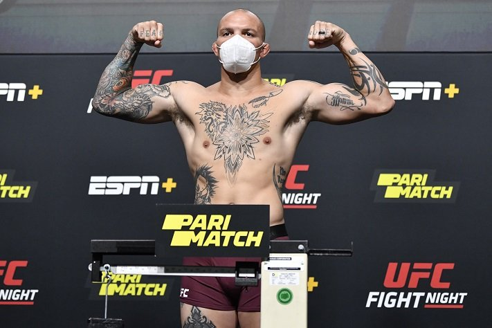 Результаты и видео взвешивания UFC on ESPN 18: Смит - Кларк
