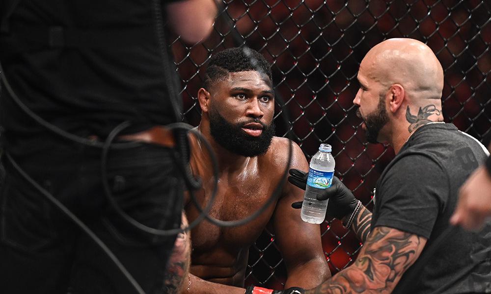 Бой Кертиса Блэйдса и Деррика Льюиса на UFC on ESPN 18 отменен