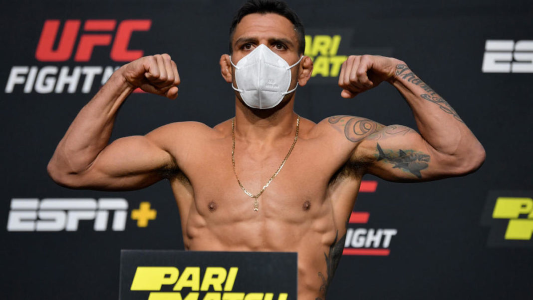Результаты и видео взвешивания UFC Fight Night 182: Фелдер - Дос Аньос