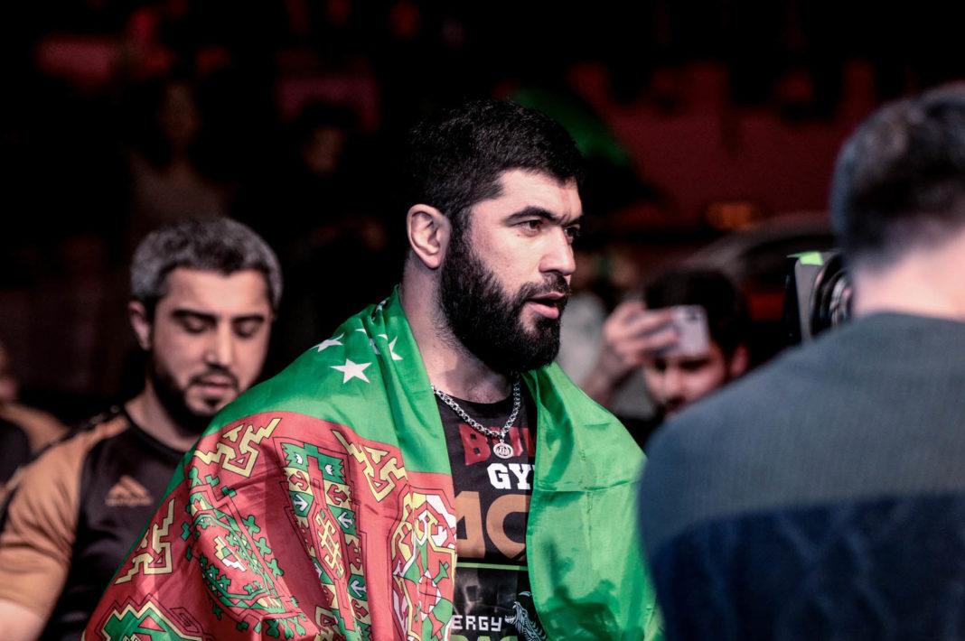 Бывший чемпион ACA Ягшимурадов подписал контракт с Bellator