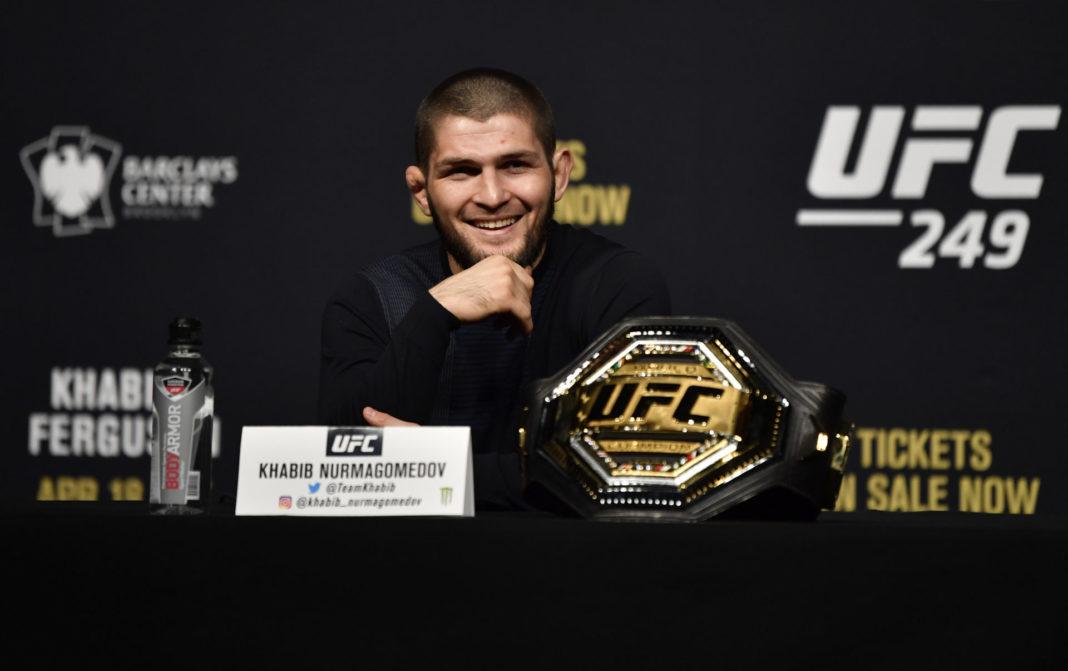 Хабиб Нурмагомедов не намерен отказываться от титула UFC до встречи с Даной Уайтом