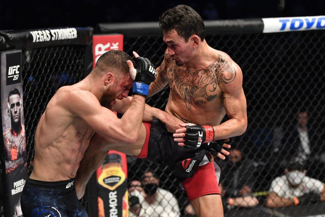 В UFC готовы устроить третий бой Волкановски и Холлоуэя