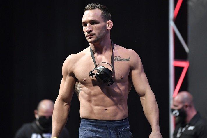 Майкл Чендлер нокаутировал Дэна Хукера в дебютном поединке в UFC
